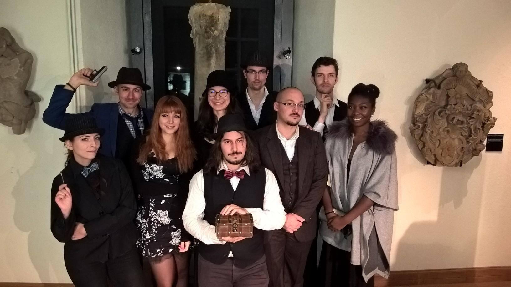 """Photo de groupe suite à la murder """"Le Château du Birkenstein"""", animée en Octobre par l'association"""