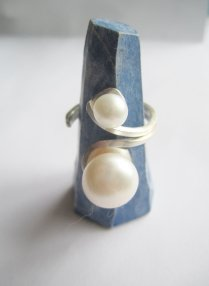 https://www.etsy.com/ca/listing/464788646/silver-ring-with-pearls-two-pearls-ring?