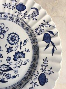 https://www.etsy.com/ca/listing/490664171/vintage-blue-onion-dinner-plates-blue?
