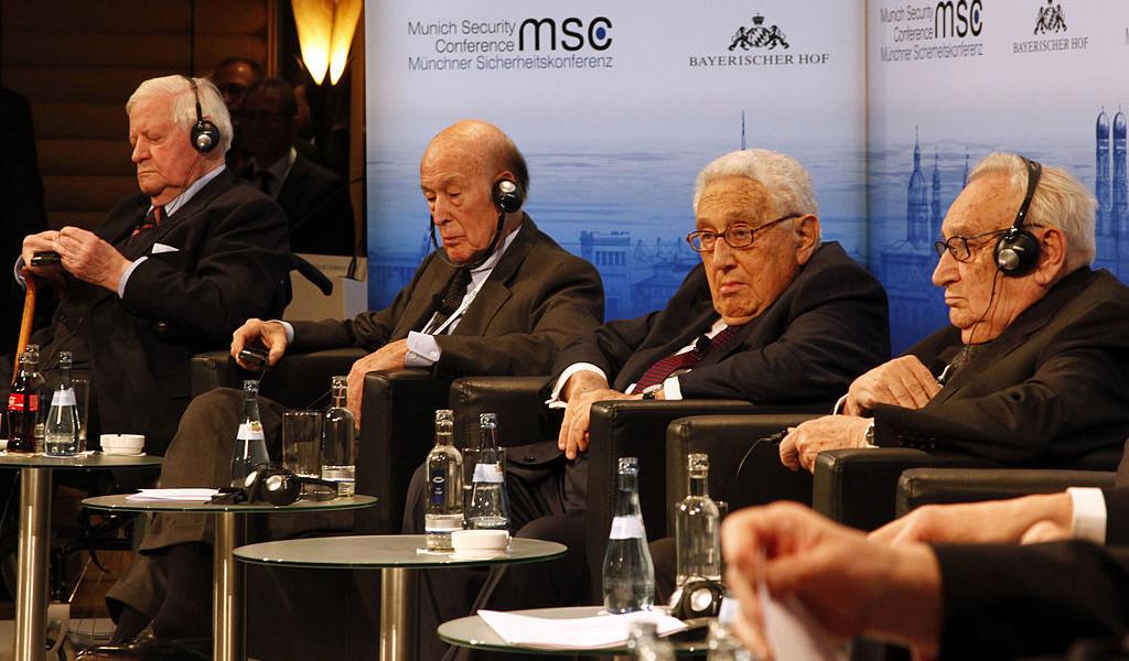 MSC_2014_Schmidt_GiscardDEstaing_Kissinger_Bahr2_Zwez_MSC2014-1024×600