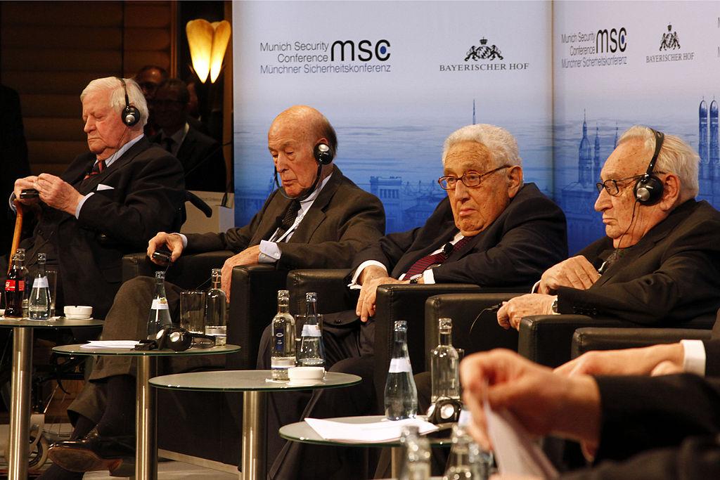 MSC_2014_Schmidt_GiscardDEstaing_Kissinger_Bahr2_Zwez_MSC20141