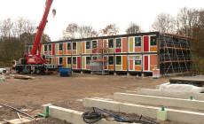 Containerbau_für_Flüchtlinge_in_Hannover_Linden-230×140
