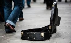 guitar-case-485112_1920-230×140