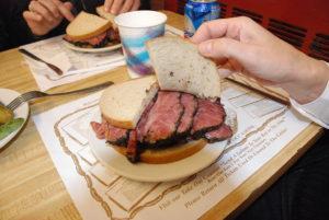 1024px-Pastrami-Sandwich-300×201