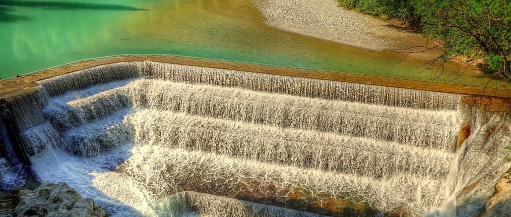 Flüsse sind ein essenzieller Bestandteil unseres Ökosystems, naturell wie wirtschaftlich. Entsprechend wichtig ist ein nachhaltiger Umgang, wie das SPARE Projekt der Alpenstaaten ihn erarbeitet.