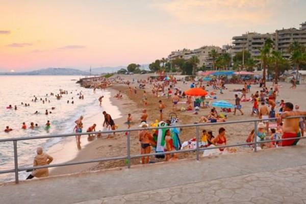 """9+1:-Παραλίες-στην-Αττική-για-να-κάνετε-το-μπάνιο-σας-χωρίς-είσοδο-–-Ποιες-βραβεύτηκαν-με-""""Γαλάζια…"""
