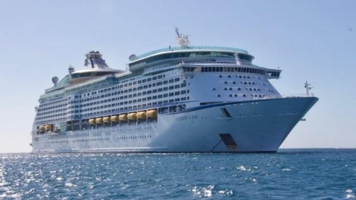 Πλακιωτάκης:-Έτοιμα-τα-λιμάνια-για-κρουαζιέρες-με-ασφάλεια-–-7-νέοι-προβλήτες-στο-Λαύριο