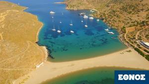 1,5-ώρα-από-το-Λαύριο:-Το-νησί-με-τις-99-παραλίες-θα-κάνει-και-φέτος-τη-διαφορά