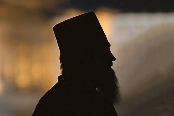 Συνελήφθη-ιερέας-για-βιασμό-ανηλίκου-–-Βρέθηκε-παιδική-πορνογραφία-στον-υπολογιστή-του