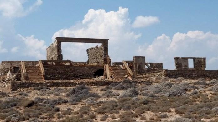 Μνημείο-στη-Μακρόνησογια-τους-Πόντιους-και-Ασσύριους-πρόσφυγες