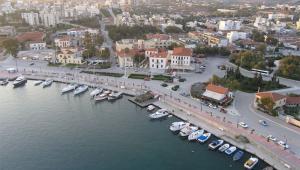 Αναστάτωση-στο-λιμάνι-του-Λαυρίου-–-33χρονη-έχασε-τις-αισθήσεις-της-μέσα-σε-σκάφος