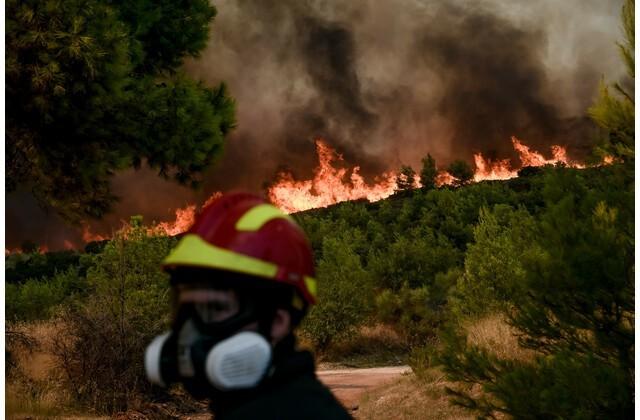 Έσβησε-η-φωτιά-στο-Σούνιο-|-Εμπρησμό-καταγγέλει-ο-Δήμαρχος