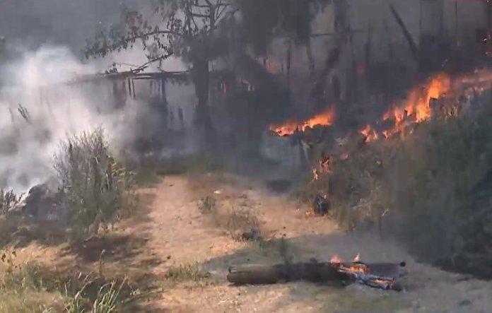 Φωτιά-στην-Εύβοια:-Ανεξέλεγκτα-τα-πύρινα-μέτωπα-από-τον-Ευβοϊκό-έως-το-Αιγαίο