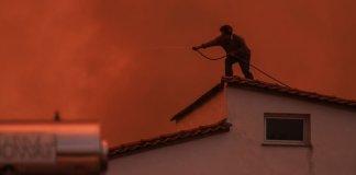 Φωτιά-στην-Εύβοια:-Ακόμα-μία-νύχτα-τιτάνιας-μάχης-με-τις-φλόγες-–-Πού-κινούνται-τα-μέτωπα