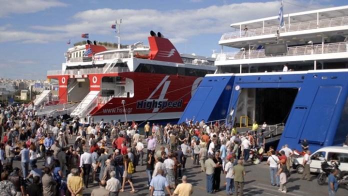 Αυξημένη-η-κίνηση-στα-λιμάνια:-Κορυφώνεται-η-έξοδος-του-Δεκαπενταύγουστου