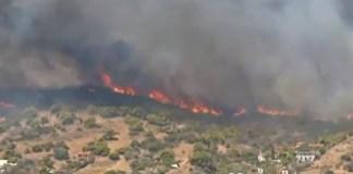 Λαυρεωτική-–-Ανεξέλεγκτη-φωτιά-–-Εκκενώνονται-τουλάχιστον-3-οικισμοί,-αγνοείται-ηλικιωμένη