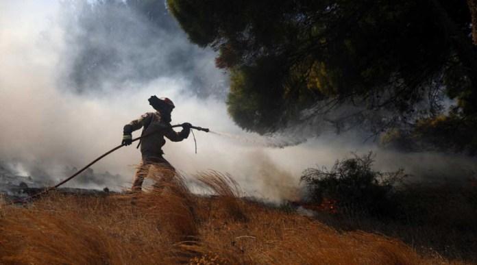 Φωτιά-στην-Κερατέα:-Μάχη-με-τις-αναζωπυρώσεις
