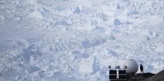 Έπεσε-βροχή-και-όχι-χιόνι-για-πρώτη-φορά-στην-κορυφή-της-Γροιλανδίας