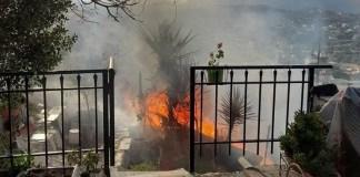 Πυρκαγιά-σε-διπλοκατοικία-στα-Καλύβια-–-Δύο-τραυματίες