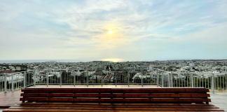"""Θέα-που-""""κόβει""""-την-ανάσα-από-το-μπαλκόνι-στην-Αιξωνή-Γλυφάδας"""