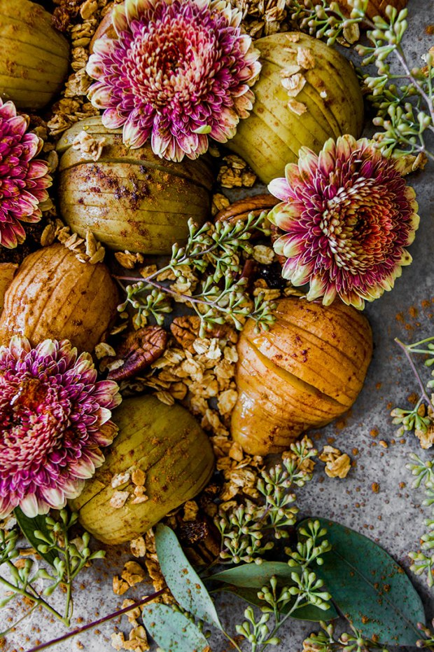 Hasselback Fall Fruit Platter with baked hasselback apples and pears with homemade maple granola. A perfect seasonal autumn fruit pickable platter.