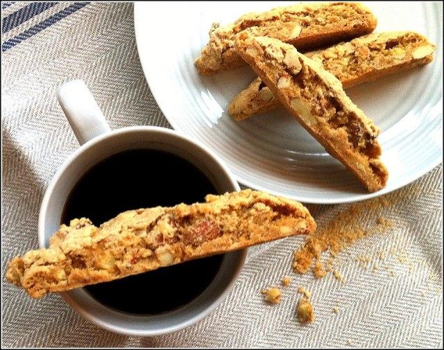 coffee-and-biscotti-1
