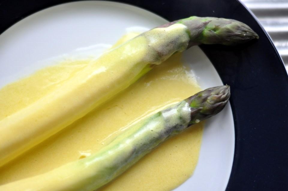 hollandaise asparagus