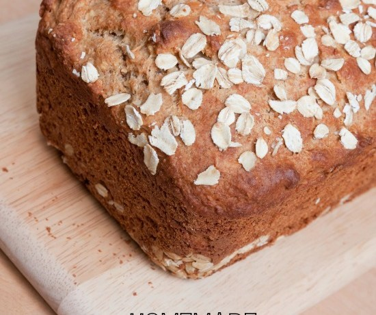Homemade-Oatmeal-Molasses-Bread-Recipe