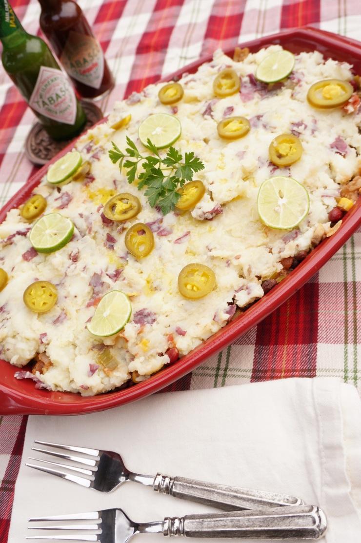 Heat up the holidays with this Tex-Mex Shepherd's Pie recipe! Vegan, paleo, gluten free and dairy free!