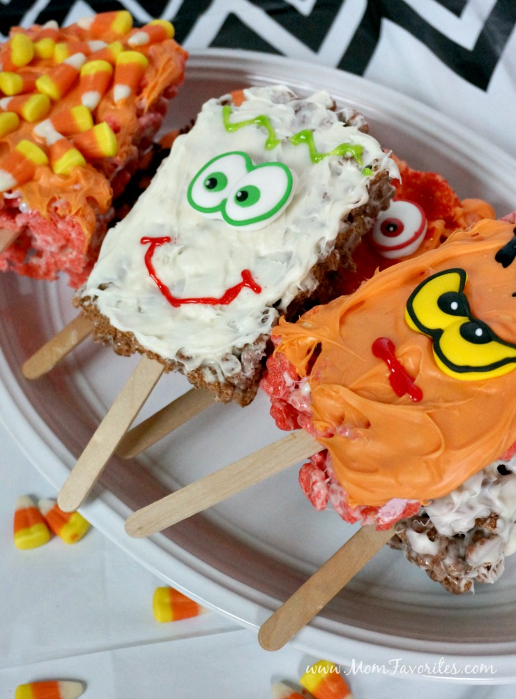 Need a fun activity and sweet treat for Halloween this year? Make Spooky Cereal Treats with Monster Cereal, melting chocolate and candies!