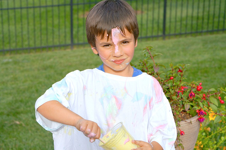 Let loose this summer with an old-fashioned backyard food fight! We've got the supplies for the fun and clean-up to make this a summer bucket list item you'll definitely want to plan on doing with your kids!
