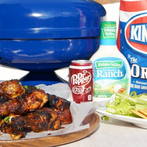 Tailgating before some college football this season? You'll have fans of your own when you cook up theseGrilled Sweet & Spicy Dr Pepper Chicken Wings. Touchdown indeed.