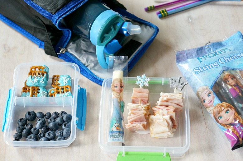 Get ready for rave reviews from your kids this school year! With this fun and delish Frozen Theme Lunch Box, they'll be the coolest kids in school.