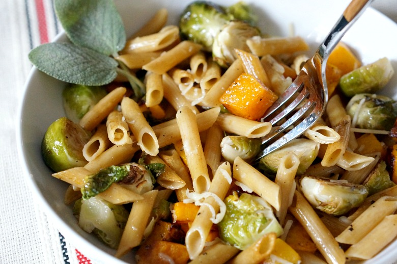 Have your vegetarian dinner and your protein too, with Barilla ProteinPLUS. With roasted fall veggies, an easy-to-make brown butter sauce, and al dente penne, this is the perfect seasonal meal for cool weather evenings.