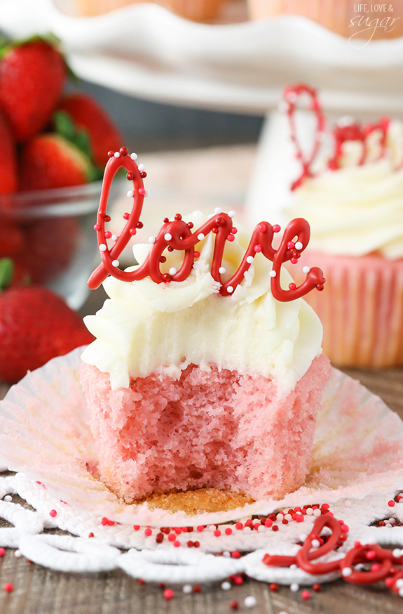 Strawberry-Cupcakes-Cream-Cheese-Frosting