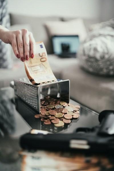 Взыскание задолженности с физических лиц