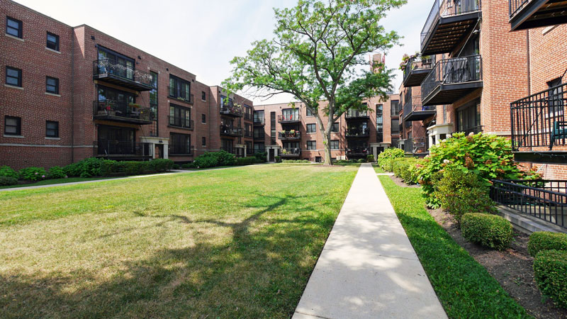 GREENWOOD AVENUE APARTMENTS