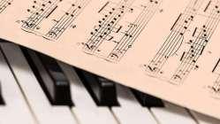 Estudiantes universitarios explican por qué la música de la Iglesia debería sermúsicasagrada