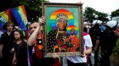 Arzobispo polaco compara al movimiento LGBT con el régimen comunista