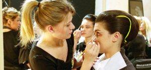 Curso de Maquillaje Profesional con Certificado +20 Clases Gratis en Vídeo