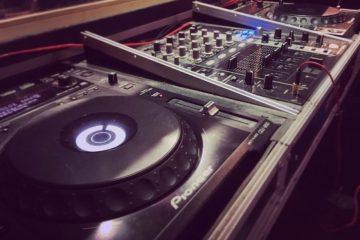 Matériel DJ formation dj platine table de mixage