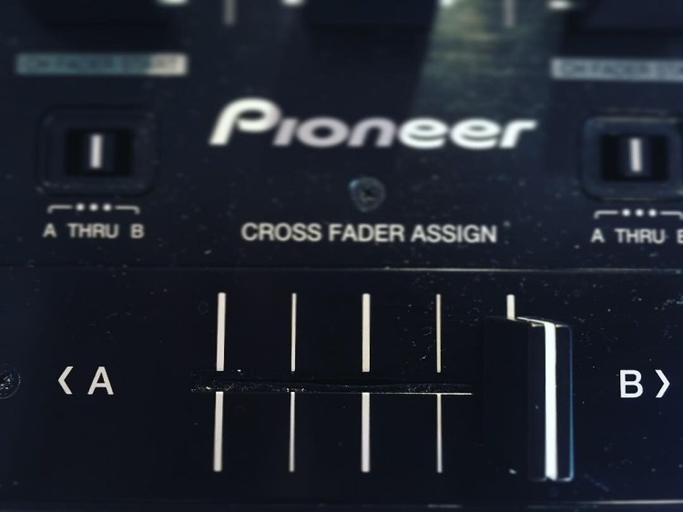 cross fader pioneer ddj formation dj table de mixage dj
