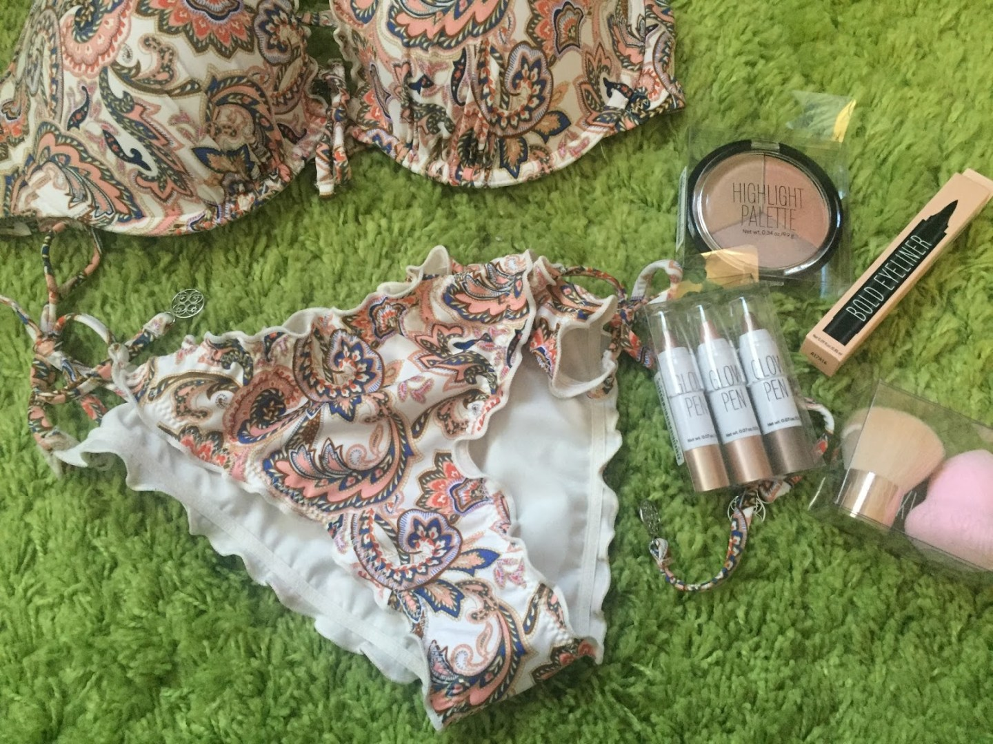 Formidable Joy | Formidable Joy Blog | Beauty | Make-up | H&M | H&M Haul | Shopping Haul