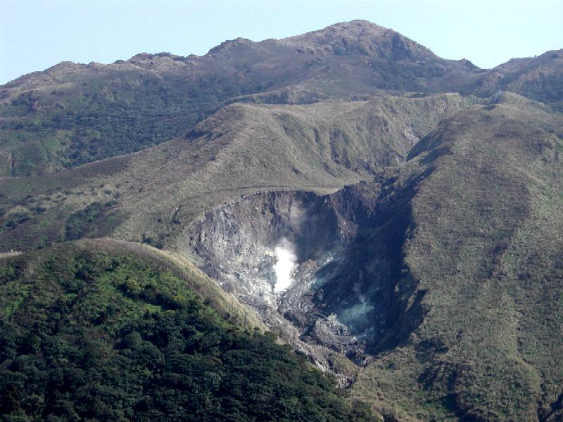 https://i1.wp.com/formosastudio.pbworks.com/f/Seven_star_mountain_Taiwan_with_hot_spring.JPG