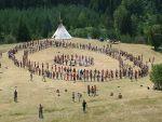 Acampada de nudistas en la Rioja, que se hacen llamar «La Familia Arcoíris»