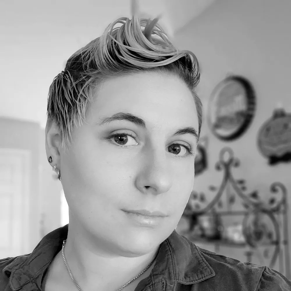 Black and white photo of Elisa Wynnter