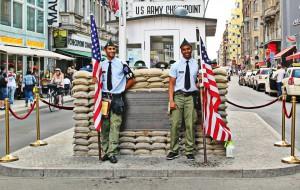 """""""Checkpoint Charlie"""" i Berlin"""