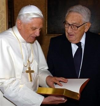 Ratzinger y Kissinger, dos de la misma fe...