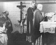 Consagración episcopal de Monseñor Des Lauriers.