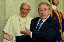 El tirano Castro realizó una breve visita al Vaticano, tras participar en las celebraciones en Rusia por los 70 años de la derrota del nazismo.